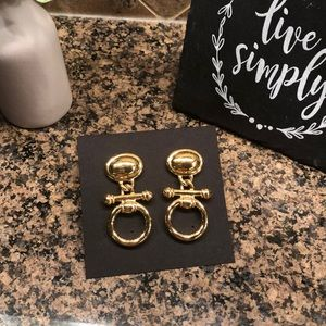 Vintage gold drop earrings